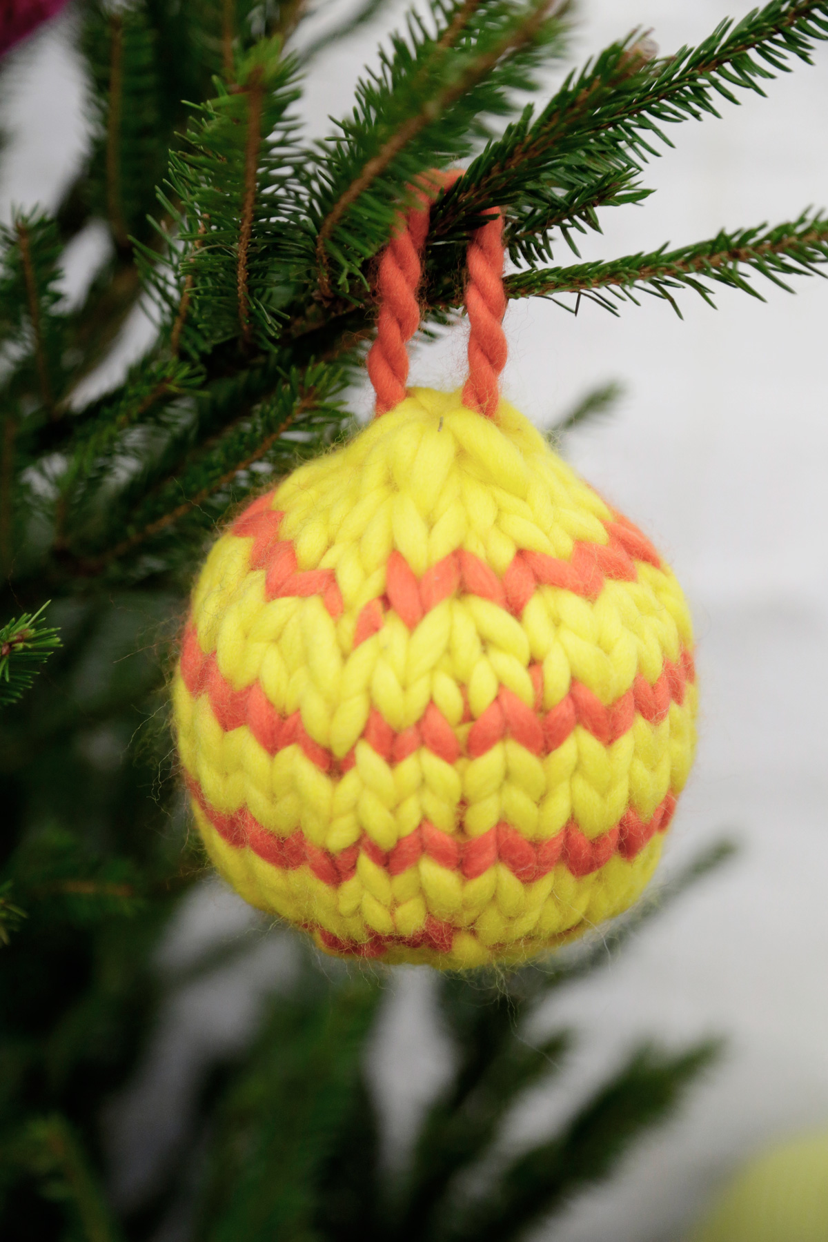 Knitting Pattern Christmas Baubles : How to knit Christmas Baubles WATG Blog